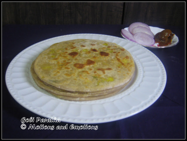 Cauliflower Stuffed Paratha / Gobi Paratha