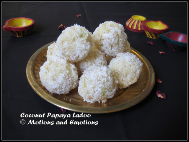 Coconut Papaya Ladoo /Raw Papaya Coconut Ladoo